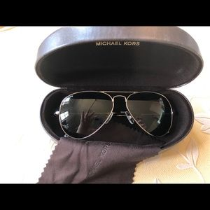 NIB Michael Kors aviator sunglasses w/ case/cloth